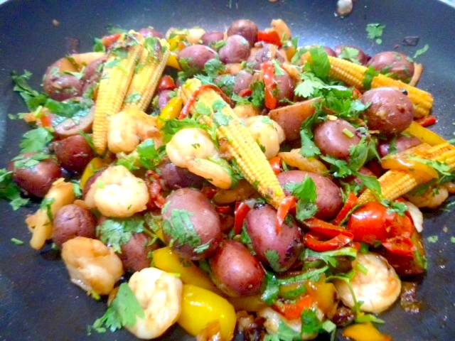 Spanish potatoes with prawns & capsicum
